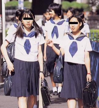 日本初中生透明校服现在中国大陆中学生的校服是不是模仿 日本 的 校图片